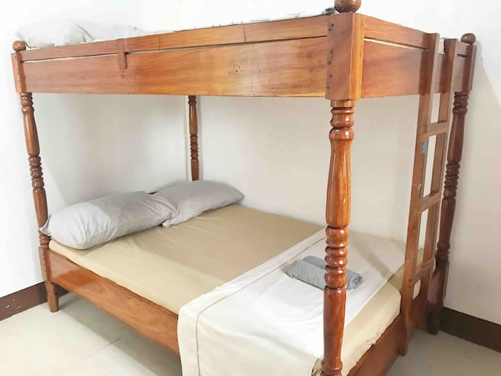 Room 3 - Coron Town Proper, DGA (Wifi/Cable TV)
