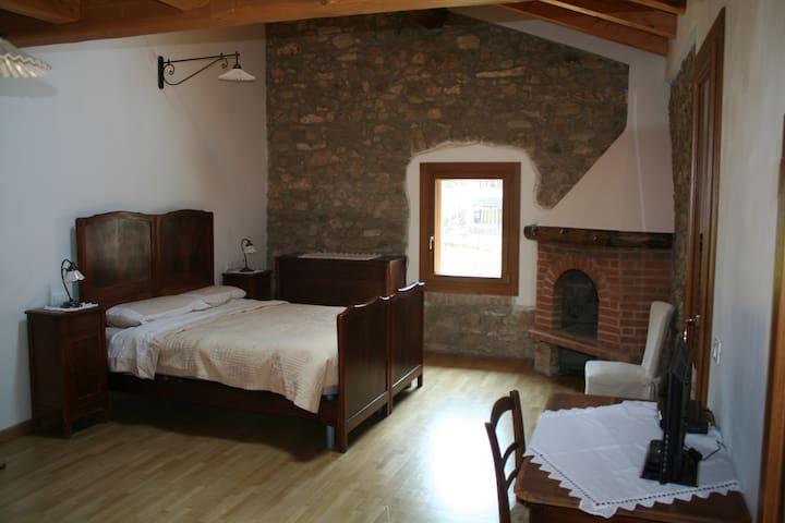 La Tana della Volpe - Montepiano - Wikt i opierunek