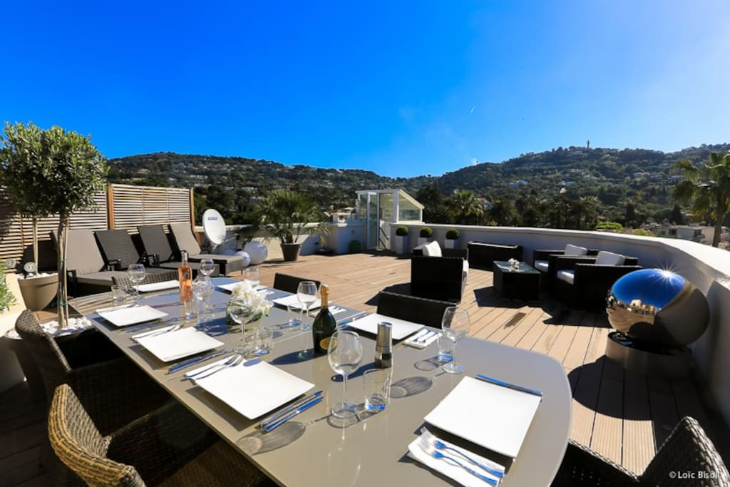 relax on our 80 meter sq private roof garden with magnificent views over the La California hills and out to sea.