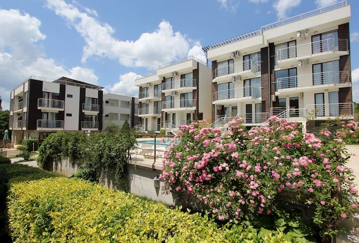 CHARMING 2BR APARTMENT UP TO 6 Pers - Sunny Beach - Apartemen