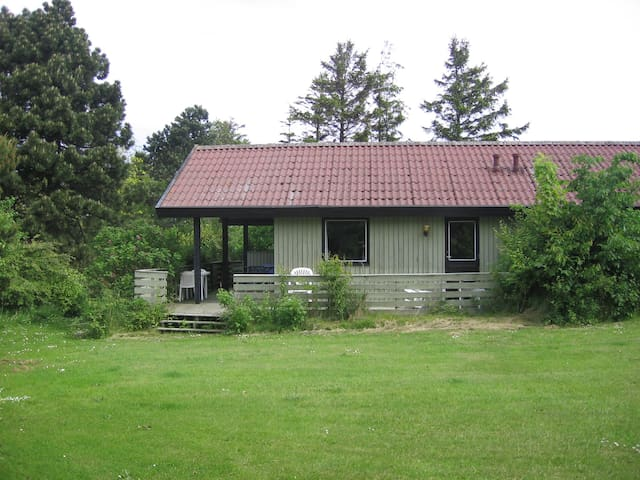 Summer cottage with sea view & pool - Hasle - Cabin