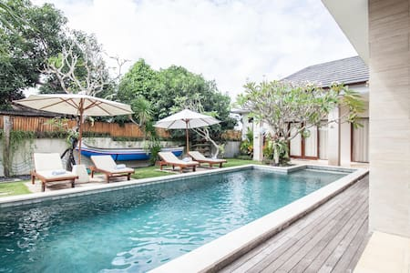 The Daun Canggu - Bed and Breakfast - นอร์ธคูตา