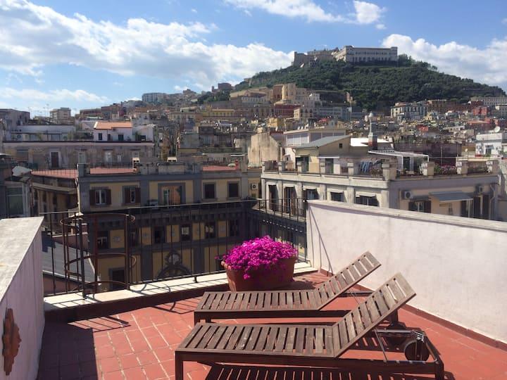 Terrazzo Privato_Via Toledo_Check-in aTutte le ore
