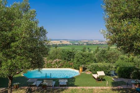 Casa Ricci in Siena countryside