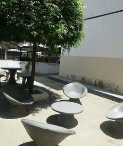 Apartamento entre Caucaia e Fortaleza. Mobiliado