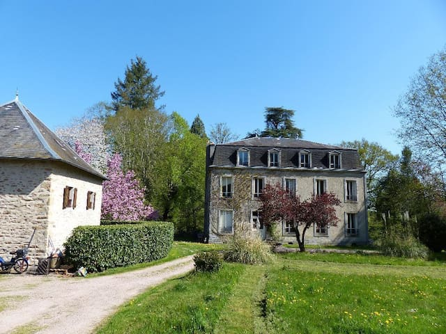 Villa Saint-Hilaire Large manoir house