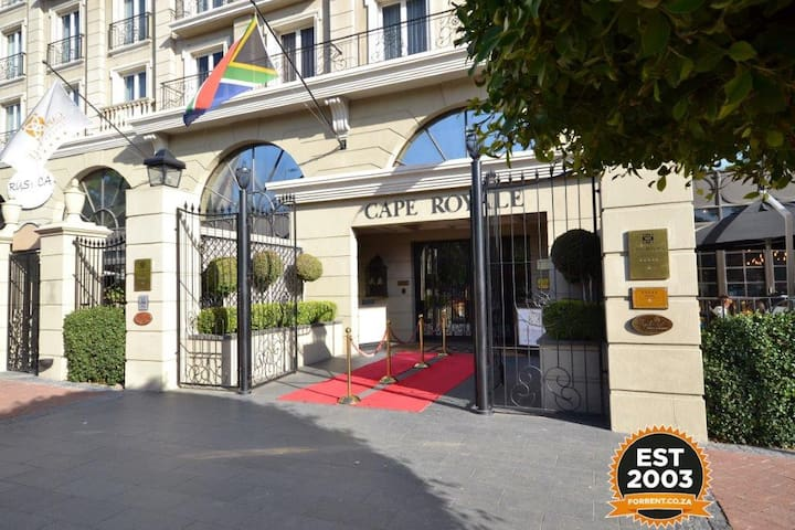 Cape Royale Executive Suites Private Apartment