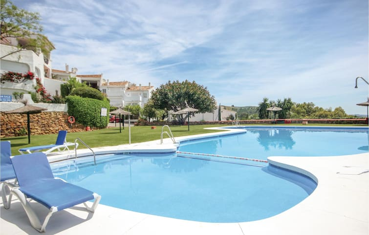 Holiday cottage with 2 bedrooms on 155m² in Marbella
