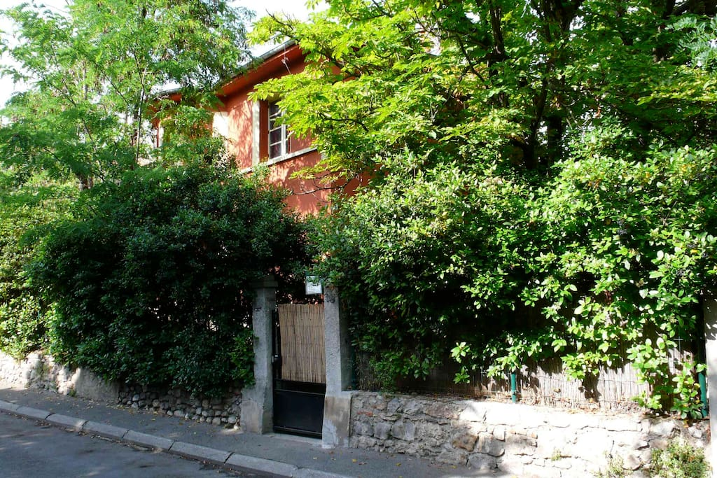 Villa 15 mn walk from aix centre villen zur miete in for Cote commerce aix en provence