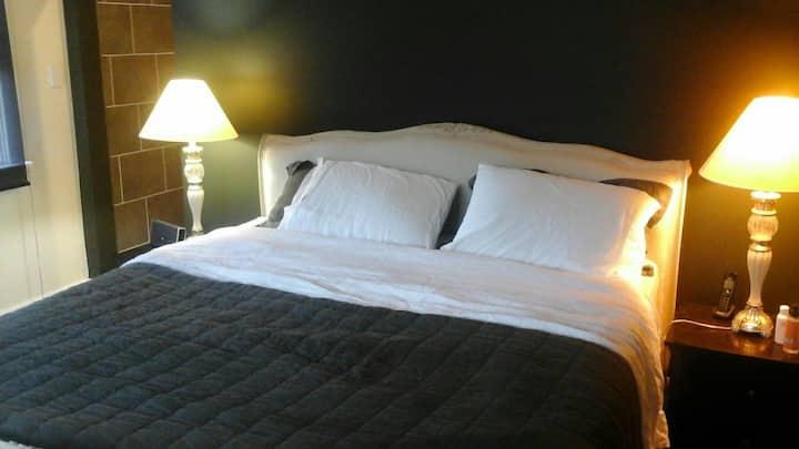 Boloco West, The Winter Room. (Pet Friendly)