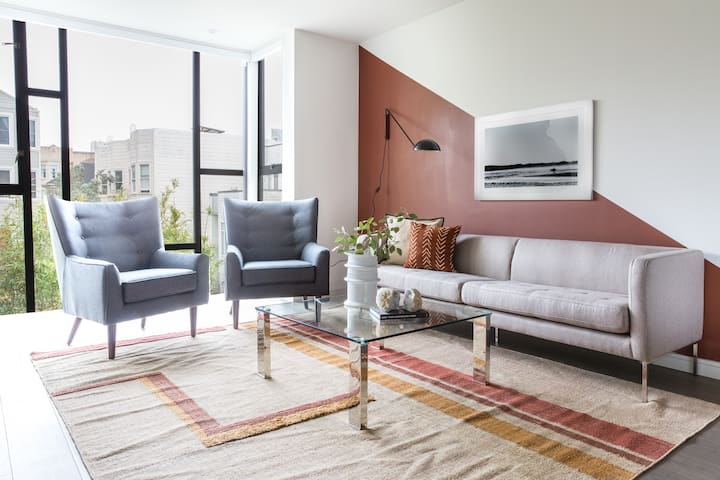 Sonder | Lombard Street | Vibrant 1BR + Rooftop