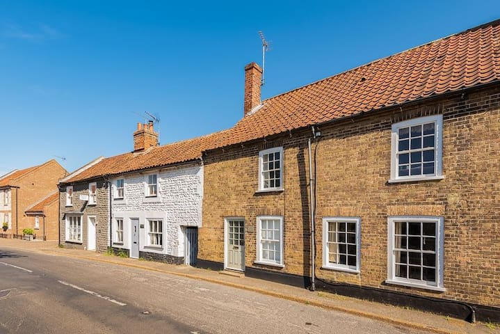 Nelson cottage, Burnham Market