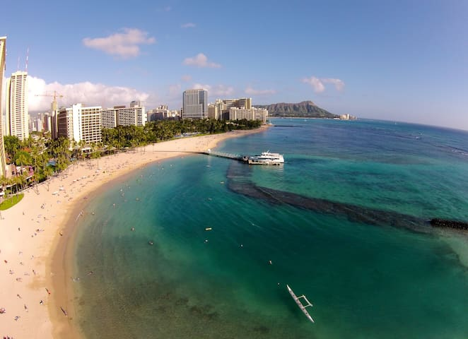 Aqua Palms incl Free WiFi & Parking - Resort Zoned