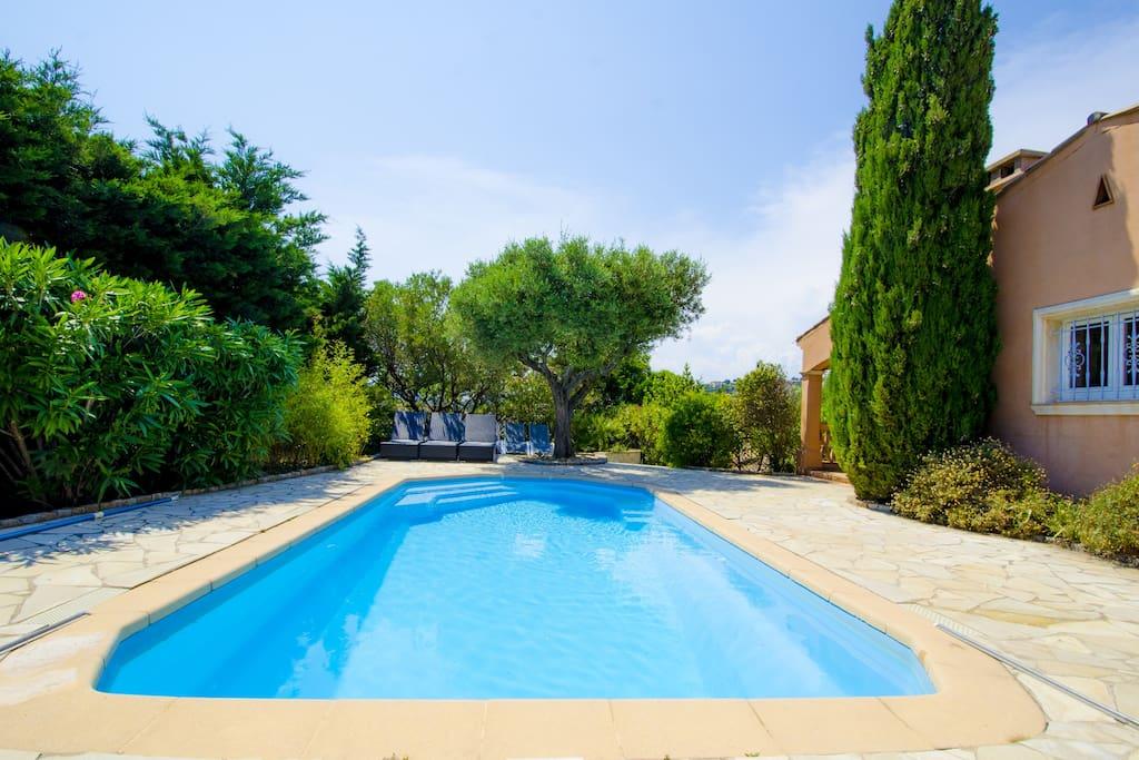 Luxueuse villa golfe st tropez piscine chauff e for Location villa cote d azur piscine
