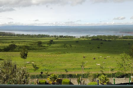 Penthouse with view of Lake Nakuru National Park - Nakuru