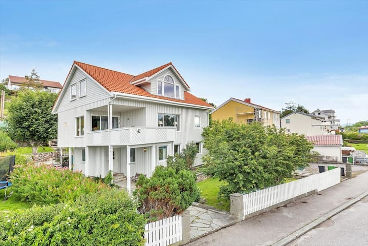 Idyllisk Villa i Kristiansund, rett ved badestrand