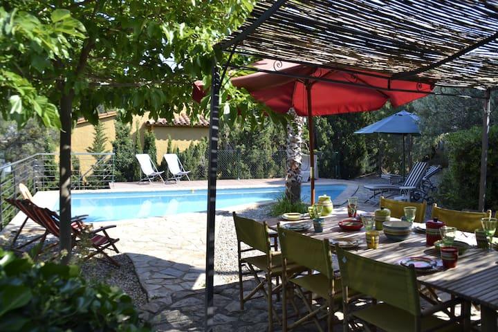 099 Casa con jardín y piscina privada - Llançà - Huis