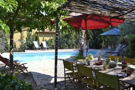 099 Casa con jardín y piscina privada - Llançà - Ház