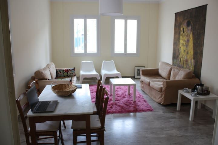 Modern, sunny ground-floor flat - Nafpaktos - Appartement