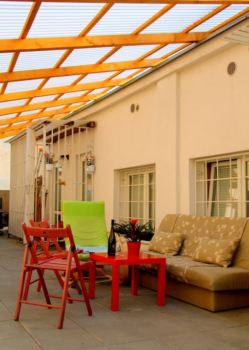 Big covered terrace with furniture shared with my sister´s place.