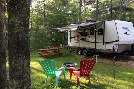 Whispering Pines - Camper/RV
