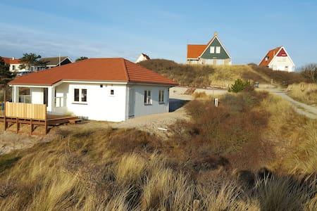 Comfortabel en gezellig huis in de duinen - Midsland - 一軒家