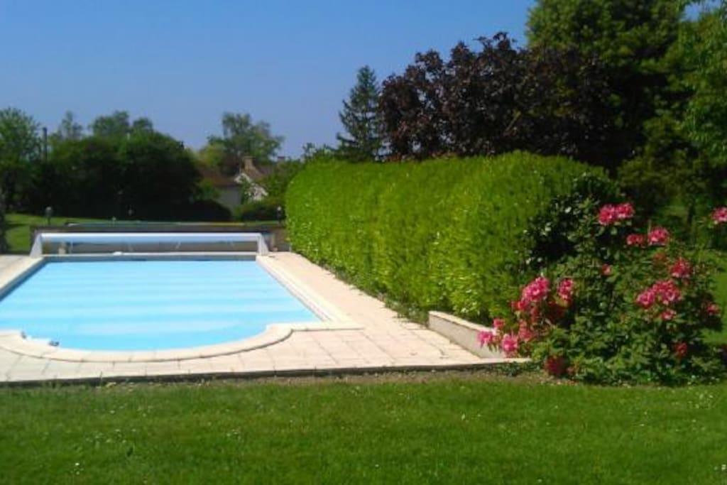 Grande long re r nov e avec piscine maisons louer for Piscine de villedieu