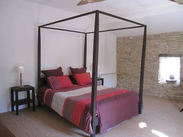 chambre Gaillac - Puycelsi - Bed & Breakfast