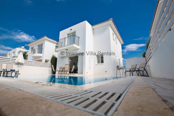 Villa Thea, Luxury 3 Bedroom Villa - Pernera - Vila