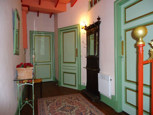 Appart dans un chateau - Grézet-Cavagnan - Slott