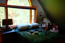 Loft bedroom with @queen beds views of lake from every angle