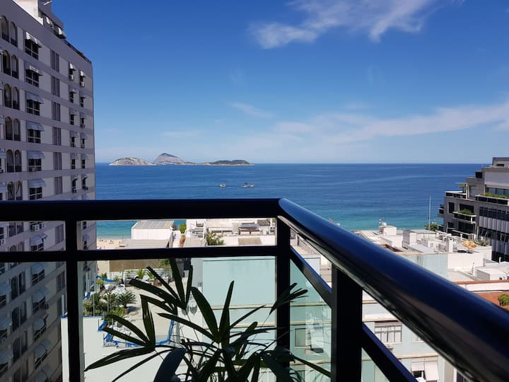 Ocean and Ipanema Beach View!! Pool!!
