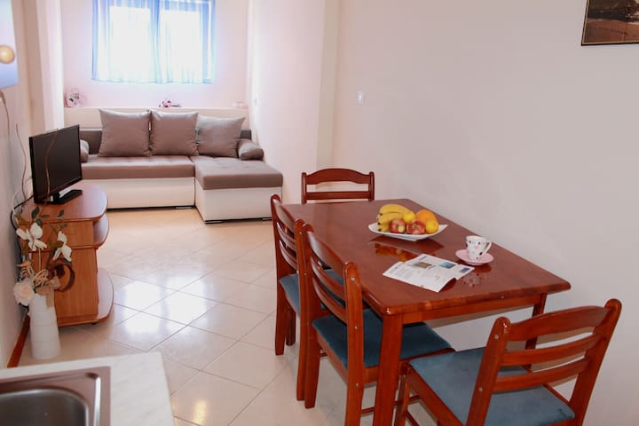 Apartment 3 Juricev 100 m to the beach and center