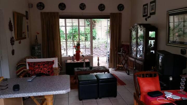 Flower studio in Hung Yen for rent