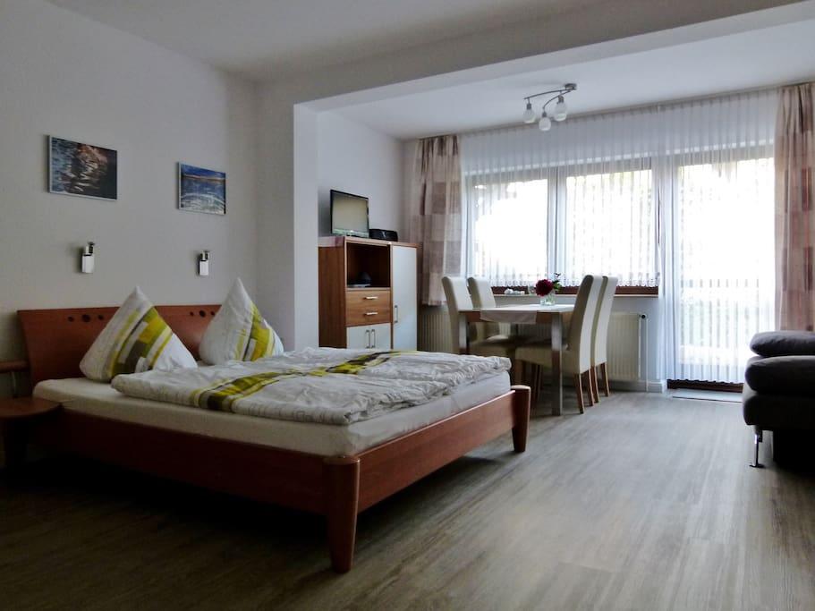 ein richtiges Bett (160cm)