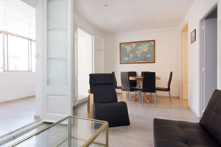 APARTMENT FOR PERFECT HOLIDAYS - Barcelona - Byt