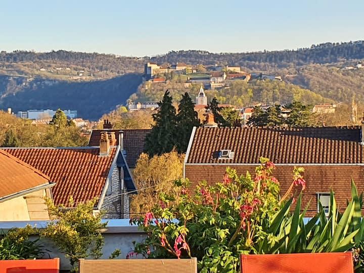 Vue incroyable sur la citadelle de Besançon