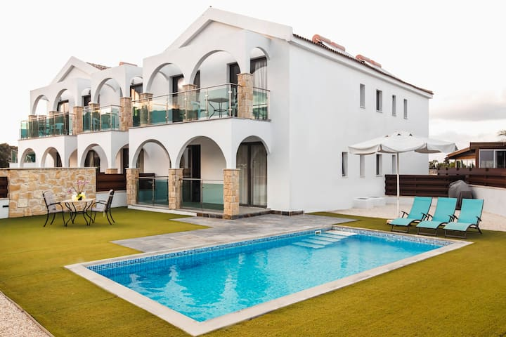 Caprice Spa Deluxe Two Bedroom with Private pool