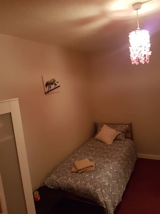 Second bedroom (Single bed 1)