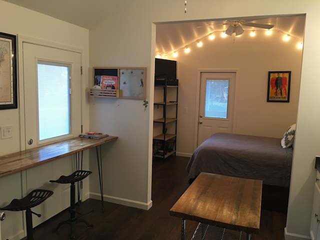 Cute Studio-House just outside of Downtown! - Nashville - Casa