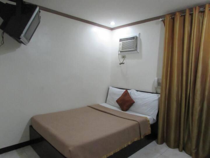 Decent Room Standard At Manila