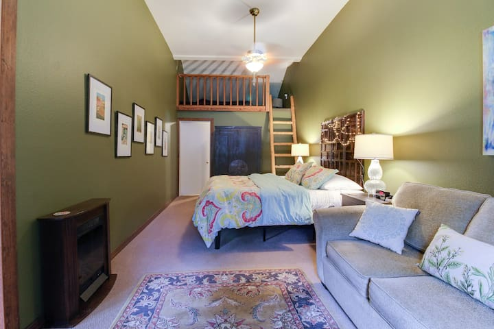 Master bedroom has a seating area as well as a cute loft.  King size bed, and the couch converts to a bed for kids or an extra sleeping space.  Let us know if you need it made up!