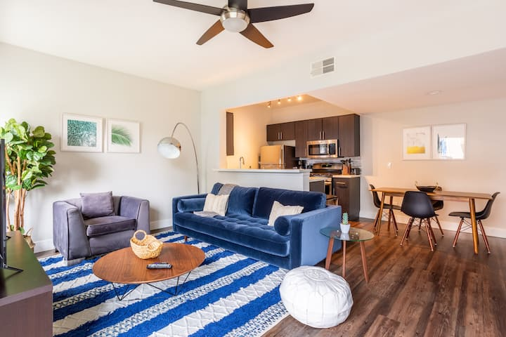 Furnished 1BR in Los Angeles Near Metro w/ Parking