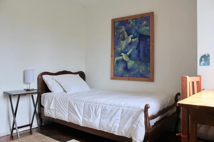 Single room with breakfast in Valparaiso