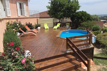 Belle villa avec piscine et vue sur mer! - Furiani - Haus