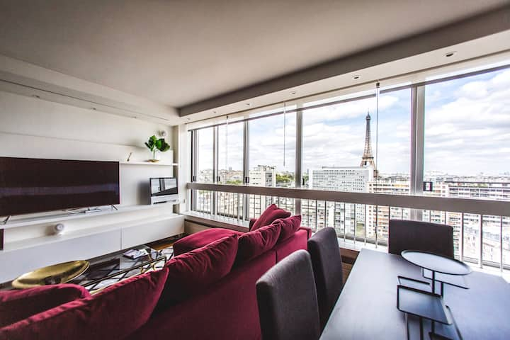 BREATHTAKING LUX. 2BR PENTHOUSE W/ POOL: BEST AREA
