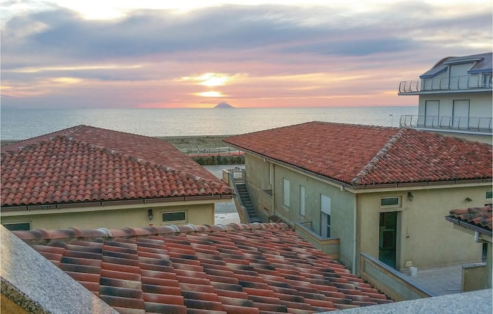 Awesome home in San Ferdinando RC with WiFi and 2 Bedrooms
