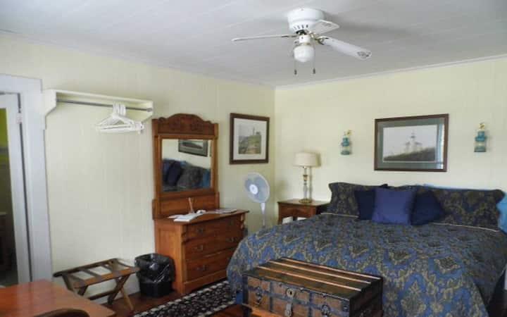 King Room at Otter Creek Inn