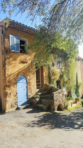 Charming Provençal townhouse - Cotignac