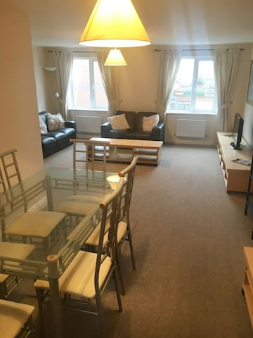 Spacious 4 bed shared house in Derby City Centre